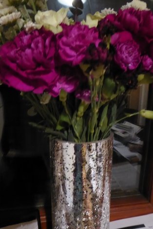 A house full of flowers (1)